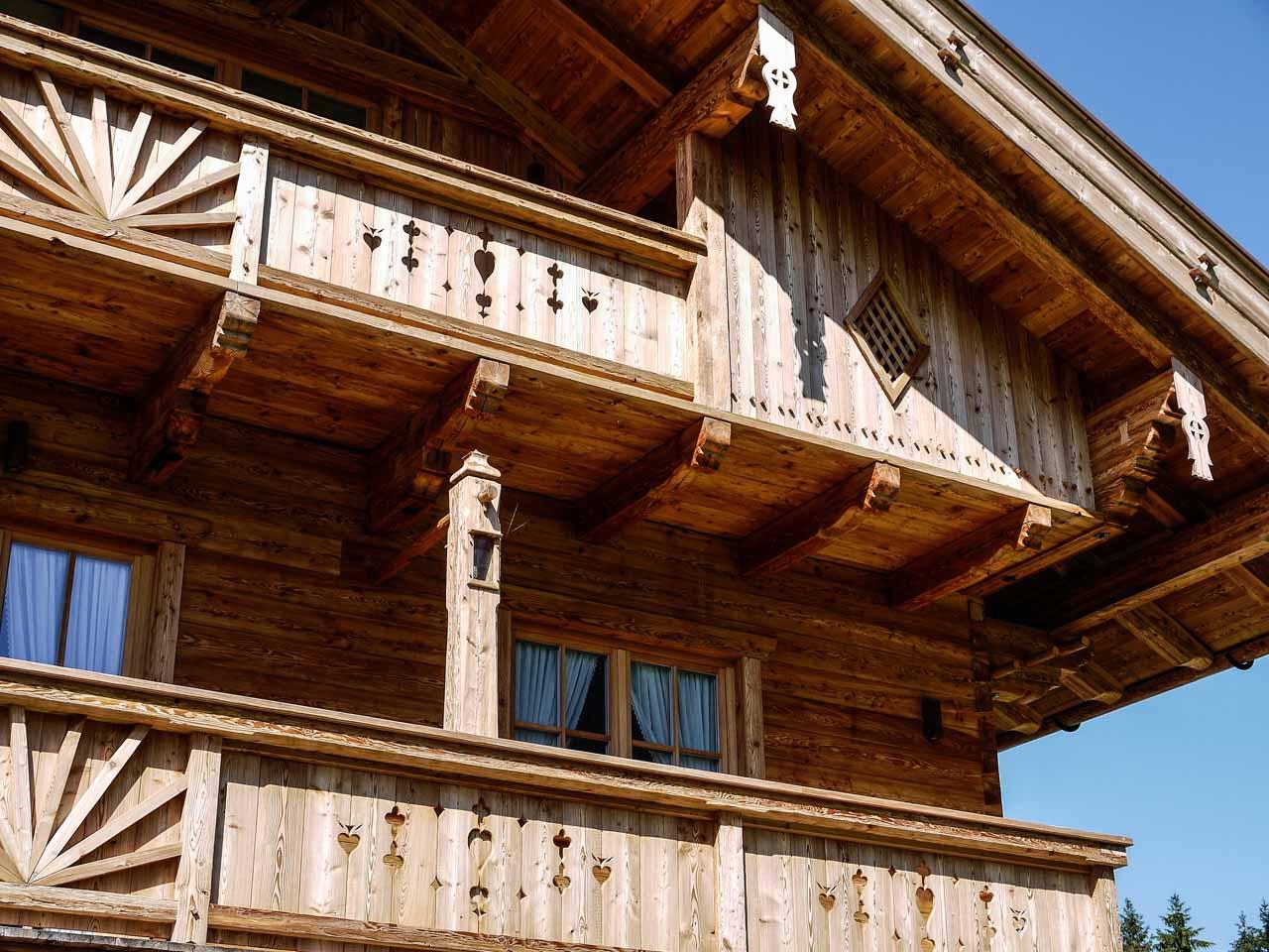 einfamilienhaus aus altholz in garmisch pa zimmerei maurer garmisch partenkirchen. Black Bedroom Furniture Sets. Home Design Ideas